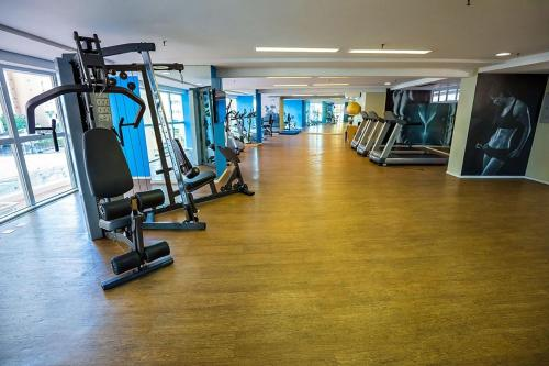 The fitness centre and/or fitness facilities at Beach Class By Frente Mar