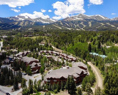A bird's-eye view of Mountain Thunder Lodge