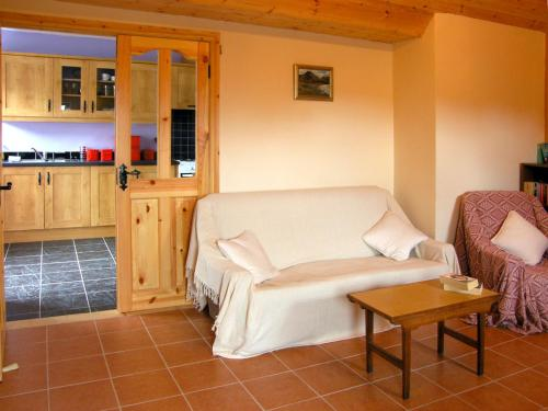 A seating area at Kiltimagh Cottage
