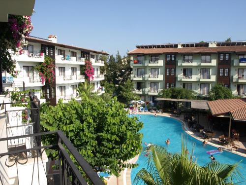 Вид на бассейн в Lemas Suite Hotel by Kulabey или окрестностях