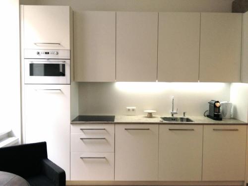 Küche/Küchenzeile in der Unterkunft Hoheschule Apartment Levade