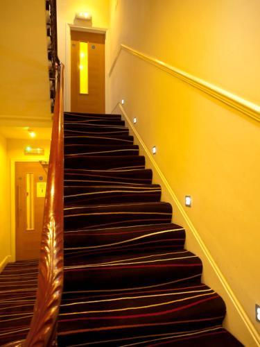 Cromwell Crown Hotel