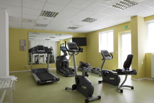 Фитнес-центр и/или тренажеры в KOSY Appart'hôtels