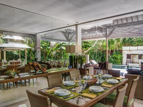 A restaurant or other place to eat at Villa Rama Sita
