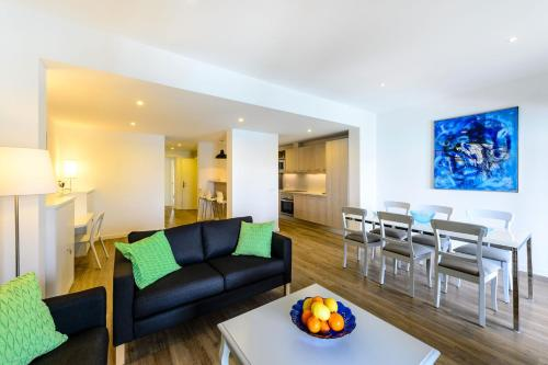 A seating area at Lili Apartments