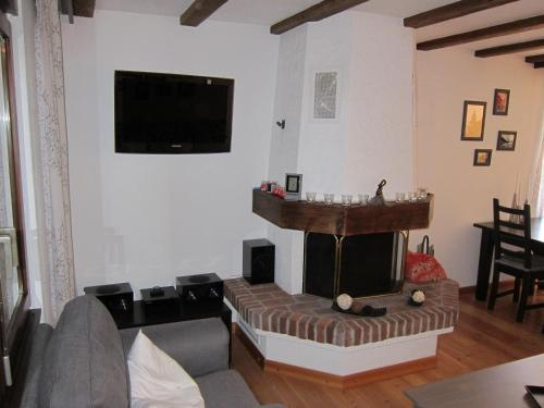 Télévision ou salle de divertissement dans l'établissement Apartment Lauber, Haus Wichje A, Zermatt