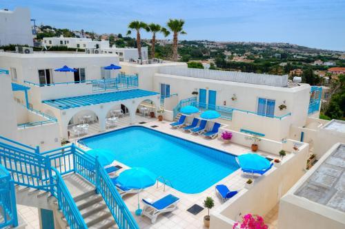 Vaade basseinile majutusasutuses Sunny Hill Hotel Apartments või selle lähedal