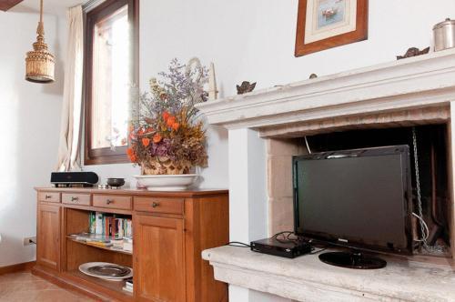 A kitchen or kitchenette at Venice Salute Appartamenti