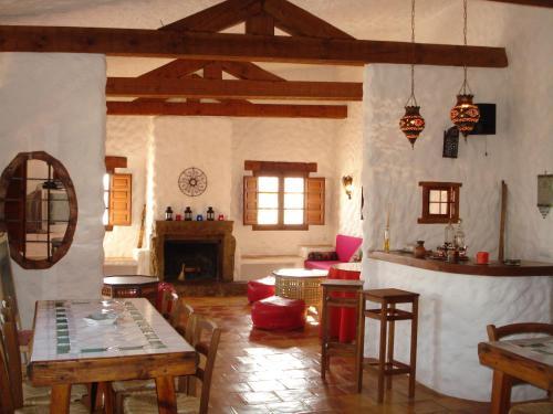 Un restaurante o sitio para comer en Cueva de La Alegría