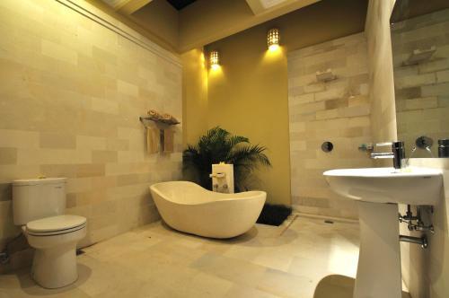 A bathroom at The Jas Villas