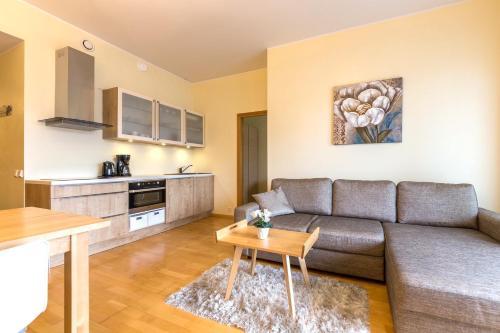 A seating area at Solar Apartments - Foorum Centre