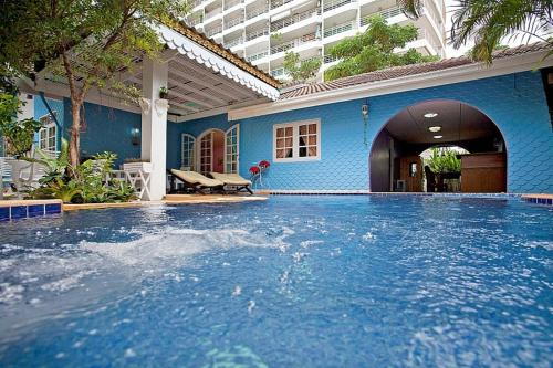 The swimming pool at or near Jomtien Paradise Villa