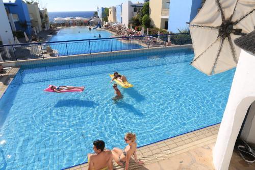 Guests staying at Eleni Holiday Village
