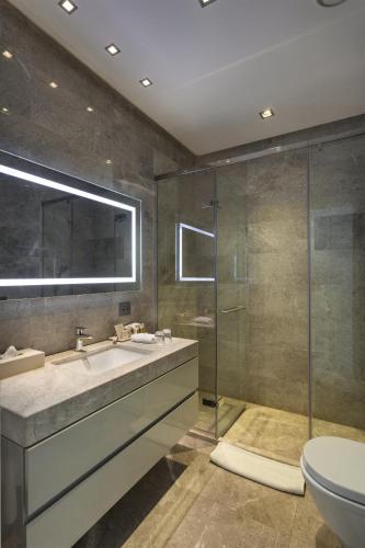 Ванная комната в Fraser Place Anthill Istanbul