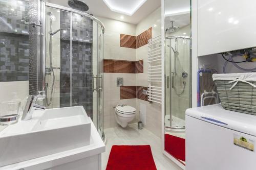 A bathroom at Apartament President Zakopane