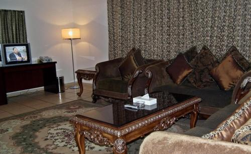 A seating area at Al Massa Hotel Apartments 1