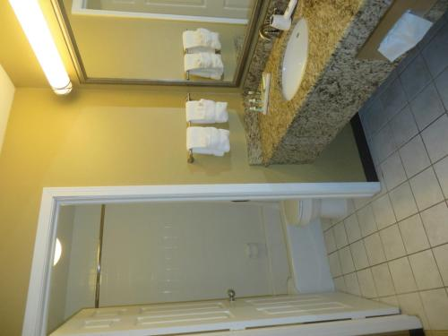 Ivy Court Inn and Suites