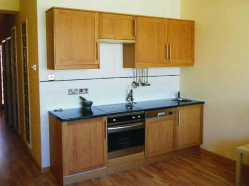 A kitchen or kitchenette at Marina Bay Gibraltar