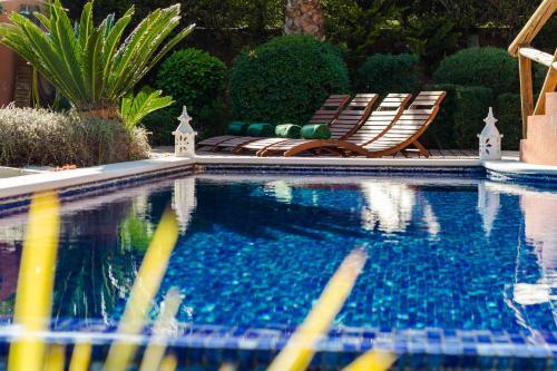 Swimming pool sa o malapit sa Varandas Do Lago Villa