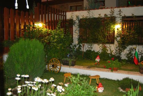 A garden outside Fantasy Apartments