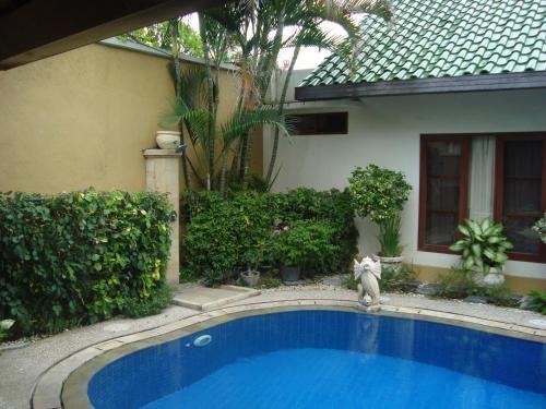 The swimming pool at or near Bali Emerald Villas