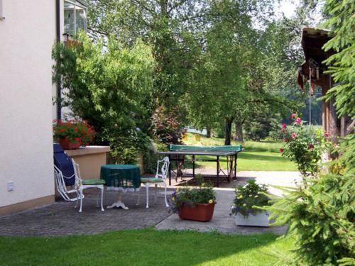Ein Garten an der Unterkunft Ferienwohnung Hilde Hiemer