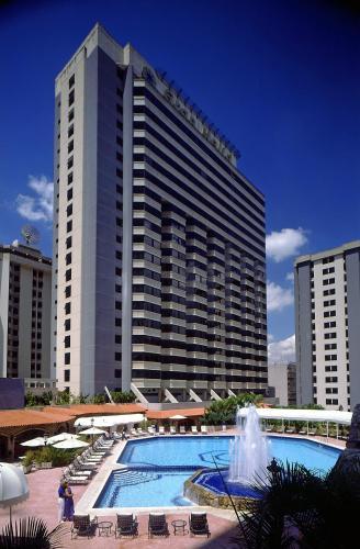 A piscina localizada em Gran Melia Caracas ou nos arredores