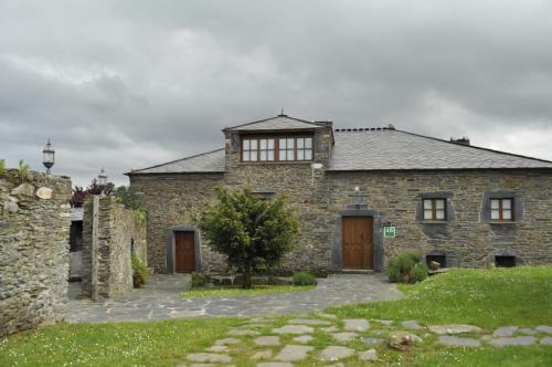 Apartamentos A Retoral, Coaña, Spain - Booking.com