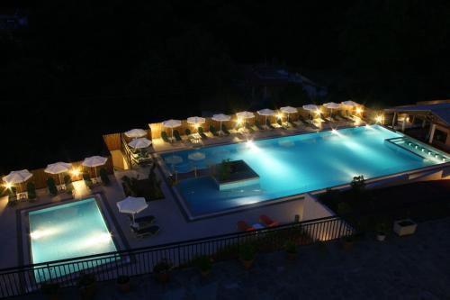 Pogled na bazen u objektu Marina Apartments ili u blizini