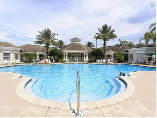 The swimming pool at or close to Luxury Three Bedroom Condo Near Disney World