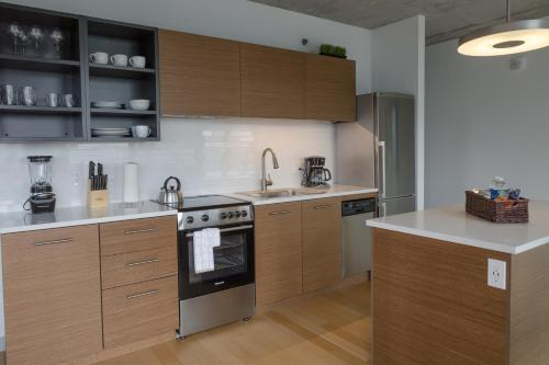 A kitchen or kitchenette at Stay Alfred on A Street