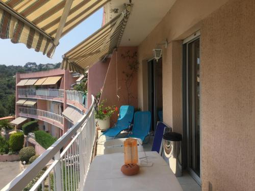 Ein Balkon oder eine Terrasse in der Unterkunft Les Argonautes