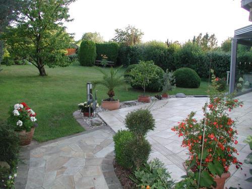 Ein Garten an der Unterkunft Ferienwohnung Herrnberg