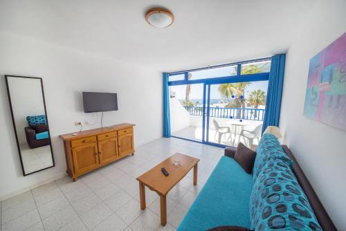 A seating area at Apartamentos Jable Bermudas