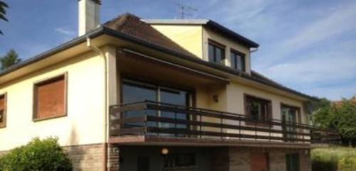 Das Gebäude in dem sich die Villa befindet