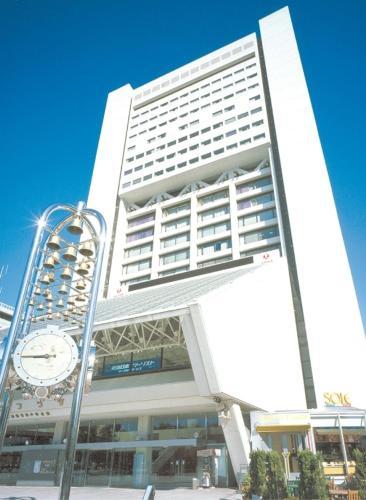 Edificio en el que se encuentra el hotel básico