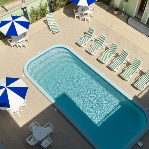 A view of the pool at Hotel Cores do Mar or nearby