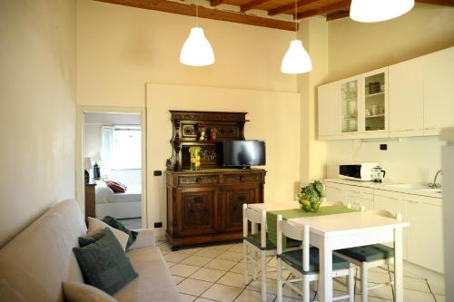 Cucina o angolo cottura di My Sweet Home In S. Frediano