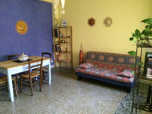 A seating area at Appartamento Cagliari Centro