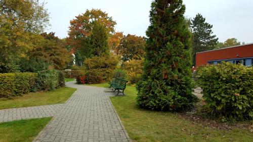 A garden outside Gästehaus Pauline