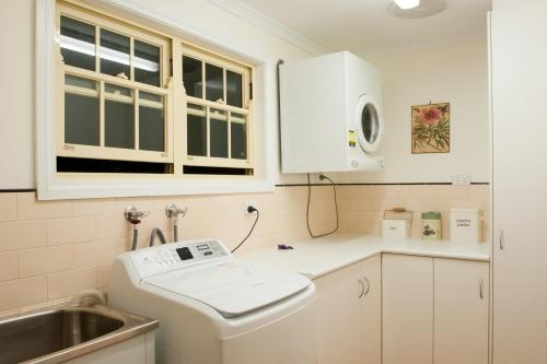 A bathroom at Linfield Cottage