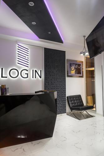 Hall ou réception de l'établissement Log In Rooms