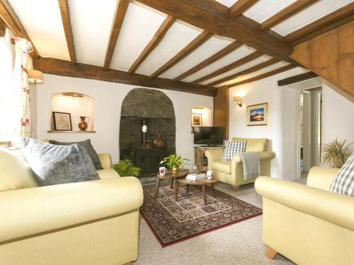 A seating area at Bwthyn Bach Holiday Cottage