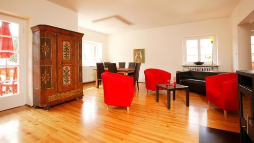 Ein Sitzbereich in der Unterkunft Apartment Freiraum in den Alpen