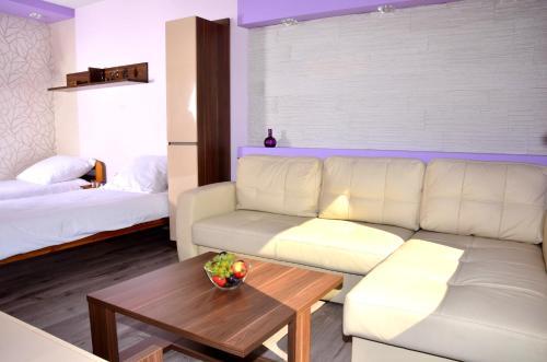 Część wypoczynkowa w obiekcie Apartament Kielce Fiolet