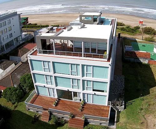 Una vista aérea de Eighteen Apartments