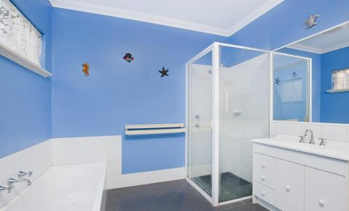 A bathroom at Holiday on the Terrace