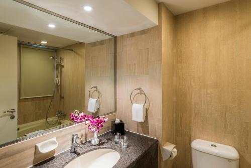 A bathroom at Somerset Liang Court Singapore