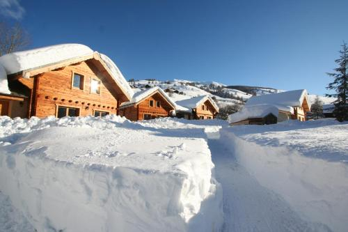 Les Chalets Du Queyras during the winter