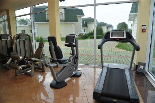 The fitness center and/or fitness facilities at Club Village Old Captain